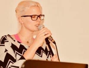 Gesangsunterricht mit Mikrofon